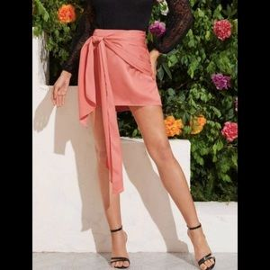 NWT Ruched Knot Detail Satin Mini Skirt
